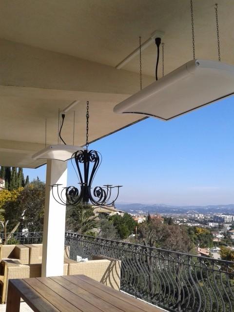 Terrasse appartement VARMIGO blanc suspendus