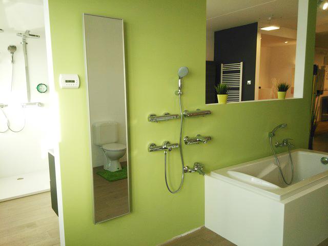 Miroir vertical chauffant PLEZURA salle de bain